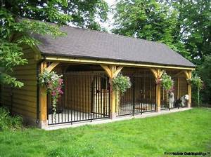 Best 25 dog kennel designs ideas on pinterest dog for Cool dog kennel designs