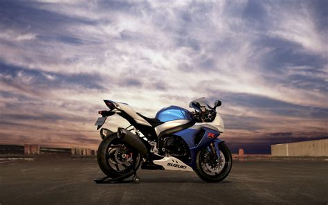 suzuki gsx  wallpaper suzuki motorcycles wallpapers