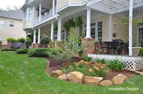 Back Porch Landscaping Ideas by Summer Porch Decorating Ideas For A Cool Yet Sizzling Porch