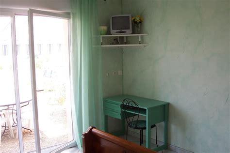 chambre quot verte quot climatisée au calme à narbonne clévacances