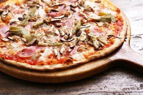 pizza capriciosa la v 233 ritable recette chez vous la bonne cuisine