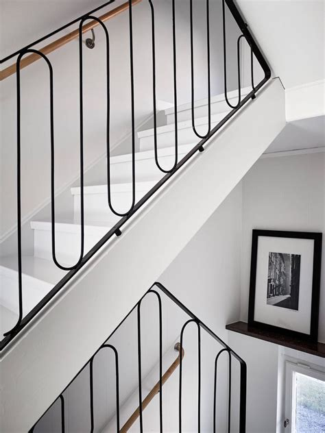 Banister Handrail by 25 Best Ideas About Interior Stair Railing On