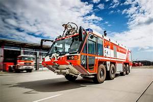 5000 Einstze Fr Flughafenfeuerwehr Stuttgart 2015