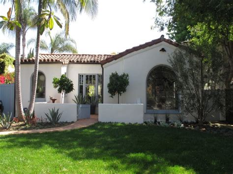 spanish style homes  courtyards small spanish style homes  courtyards spanish bungalow