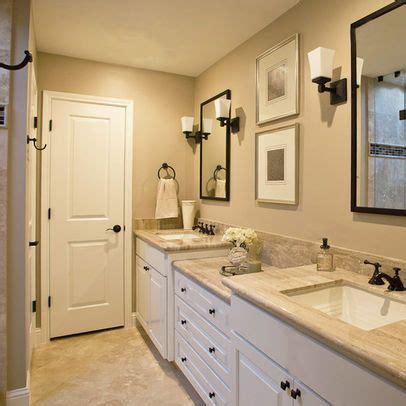 beautiful traditional bathroom design vanities