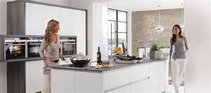 Neue Küche Kosten : wieviel kostet eine neue kche cheap einfache kuche renovieren kosten umbau unternehmen wie viel ~ Markanthonyermac.com Haus und Dekorationen