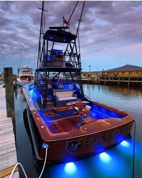 Cool Fishing Boat Ideas by Best 25 Cool Boats Ideas On Pinterest Nada Used Boat