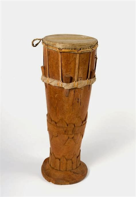 Jenis alat musik tersebut adalah jenis alat musik yang berasal dari hembusan napas, yang biasanya disebut dengan jenis bunyi aerofon. KEBUDAYAAN DAERAH: ALAT MUSIK TIFA