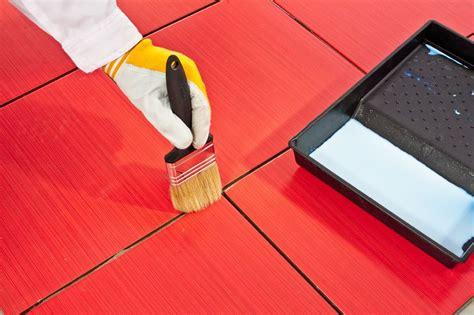 peindre carrelage sol cuisine peindre du carrelage sol les é et astuces pour un