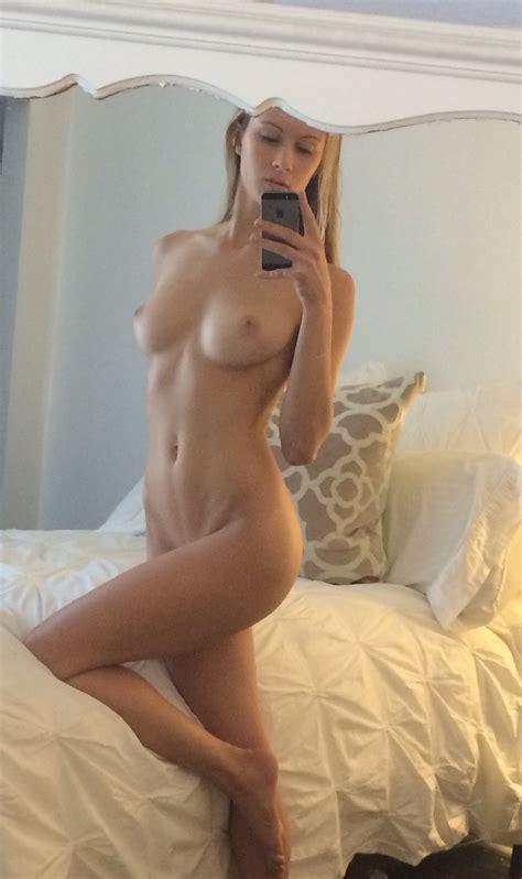 Hot Naked Girl Porn Photo