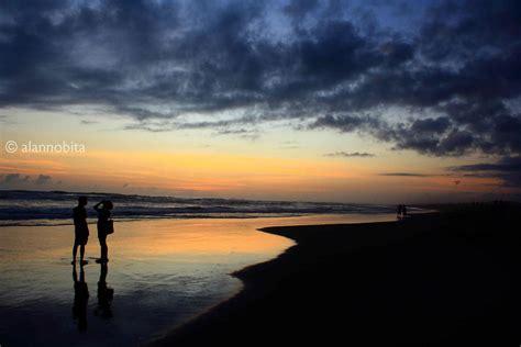 suasana senja indah  pantai parangtritis catatan nobi