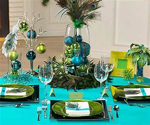 Christmas Table Ideas Decorating with Unexpected Colors
