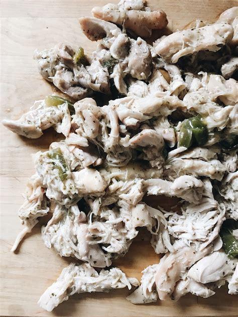 foto de Slow Cooker Ranch Chicken Nachos Bev Cooks