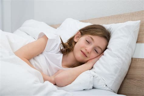 best pillow for back sleepers with apnea 8 health benefits of with a pillow between the knees