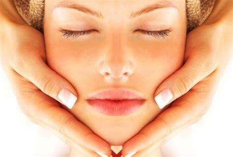 trattamento viso illuminante trattamento illuminante viso benessere olistico lucca