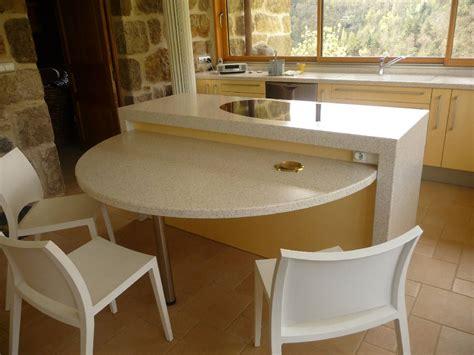 joint pour plan de travail cuisine aménagement de cuisine plan de travail en résine et évier