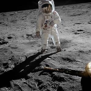 File:Aldrin Apollo 11 original.jpg - Wikipedia