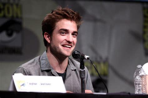 Trifft sich Robert Pattinson hinter dem Rücken von FKA ...