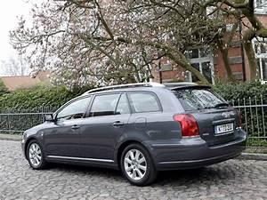 Toyota Avensis Wagon Specs  U0026 Photos - 2003  2004  2005  2006