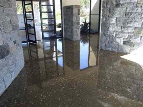 Polishing The Concrete Floor   Adelaide Web