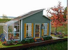 Cute little houseshed with greenhouse Perfect amount of