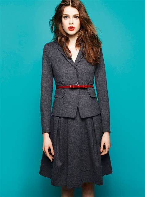 Picture Of Cool Red And Grey Work Outfits To Get Inspired 13