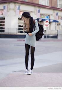 Black Leggings Outfit With Converse