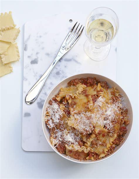 fr3 fr recettes de cuisine pâtes à la bolognaise minute pour 4 personnes recettes
