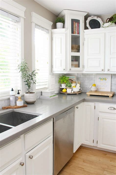 Let's find out what ideas how. Summer Decor Ideas for the Kitchen - Summer Home Tour - Clean and Scentsible