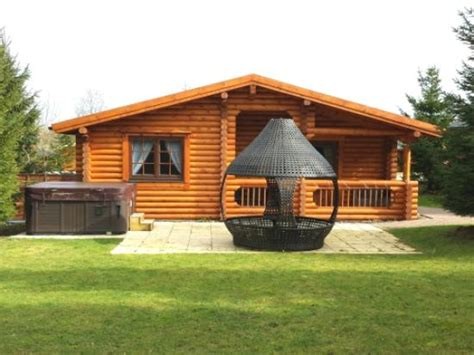Log Cabins In Northumberland With Tub - caribou lodge picture of felmoor park morpeth tripadvisor