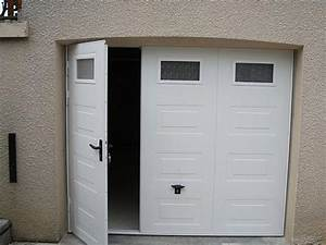 Porte de garage coulissante motorisee avec portillon for Porte de garage coulissante avec porte pvc