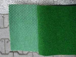 balkon kunstrasen teppich grun mit drainage neuwertig With balkon teppich mit tapete industrielook