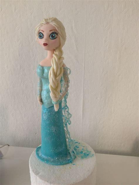 reine des neiges en pate a sucre frozen doll in sugar reine des neiges en p 226 te 224 sucre et dentelle alimentaire mes cr 233 ations