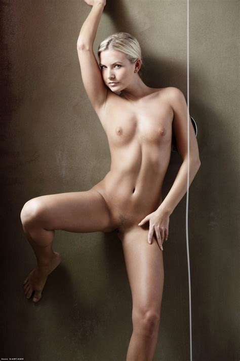 Blonde Willow In A Braid Posing Nude In The Xxx Dessert Picture 3