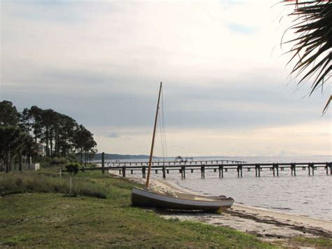 fishing florida towns quiet carrabelle fl onlyinyourstate