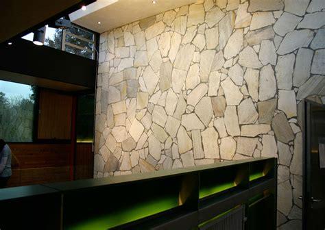 wandverkleidung stein innen w 228 nde schubert naturstein