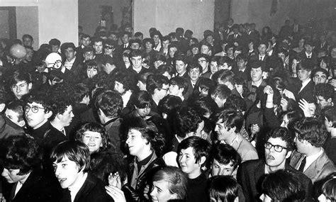 pont l abb 233 le 1er festival rock de bretagne a 50 ans