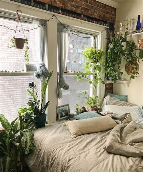Bedroom Designs With Plants by This Cozy Bedroom Of Plants Indoor Gardening