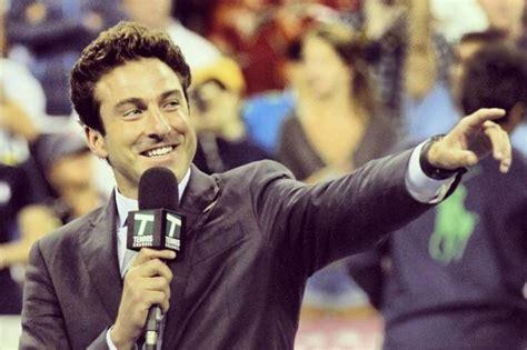 Poltrona A Dondolo Per Due : Bayer Ag, Roger Federer, Nick