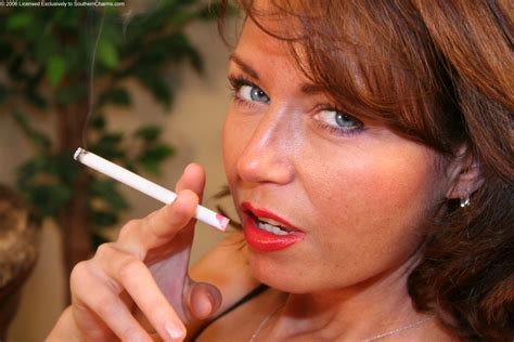 Lipstick Smoking Fetish Porn