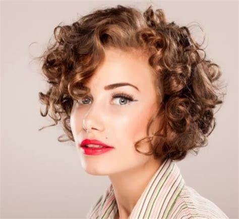 frisuren fuer lockige haare trend haare