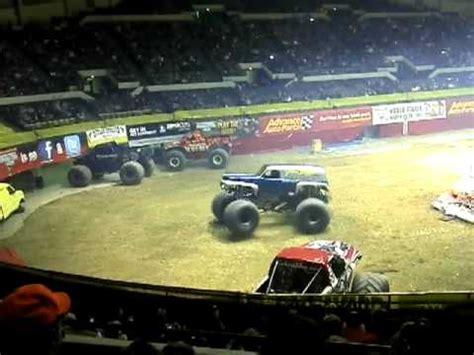 monster truck show hton va grave digger monster jam hton coliseum youtube