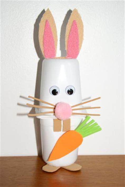 petit lapin blanc avec des pots de yaourts cr 233 ation cr 233 ations des enfants de lilounonette n
