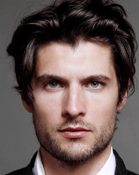5 hairstyles for men with round faces men s hairstyles guide