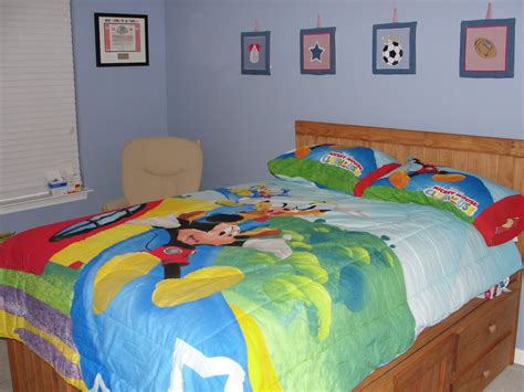 Cute Mickey Mouse Clubhouse Bedroom For