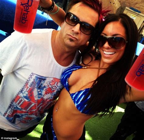Pregnant After One Night Stand by Meet Mother Of Pauly D S Love Child Who Jersey Shore Star