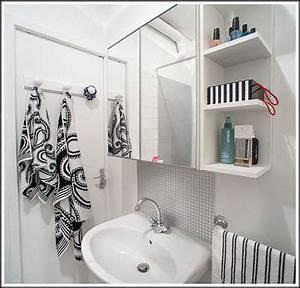 Renover une salle de bain utilisant carreau plastique for Carreau plastique adhesif