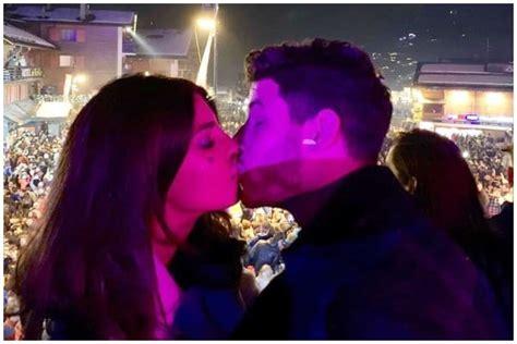 Priyanka Chopra And Nick Jonas Make Their Way To 2019 With ...