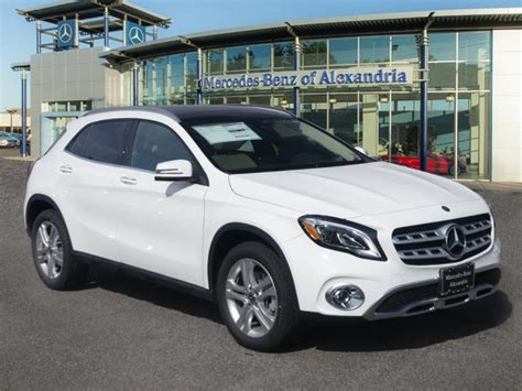 Not only does the gla250 4matic split torque front and rear, it also adds 1.2 inches more ground clearance, which mercedes' lists as 5.3 inches under max load. New 2020 Mercedes-Benz GLA GLA 250 SUV in Alexandria #LU040820 | Mercedes-Benz of Alexandria