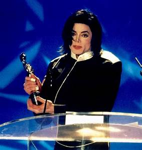 Michael Jackson 'struggled to pay crippling debts of £ ...